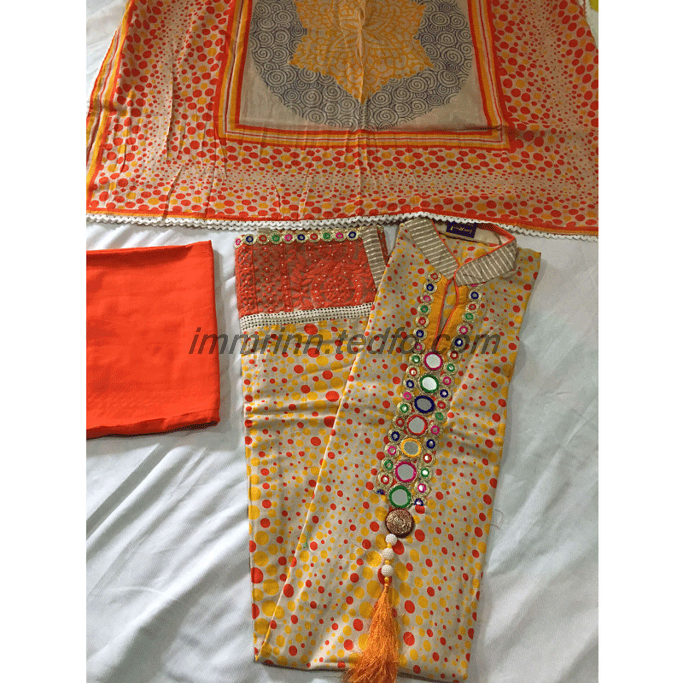 Salwar Kameez, Traditional Women's Attire from Bangladesh.